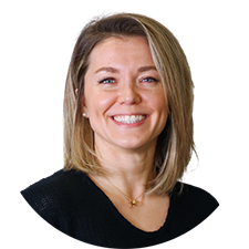 Head shot of Toronto Physiotherapist Anna Staruszkiewicz